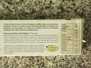 Dentre os ingredientes, venenos MUITO conhecidos: glutamato monossódico, gordura hidrogenada e xarope de caramelo!